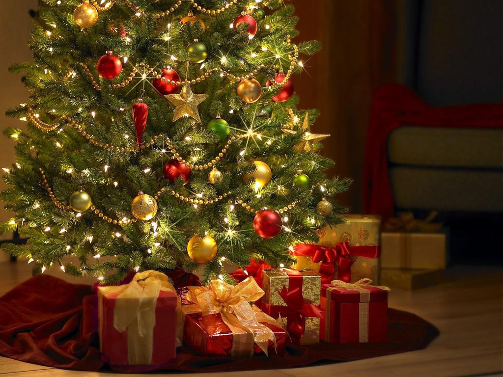Картинки елок с подарками 106