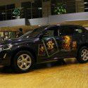 Картины на автомобилях.Молдавский художник превратил элитные авто в холсты (фото)