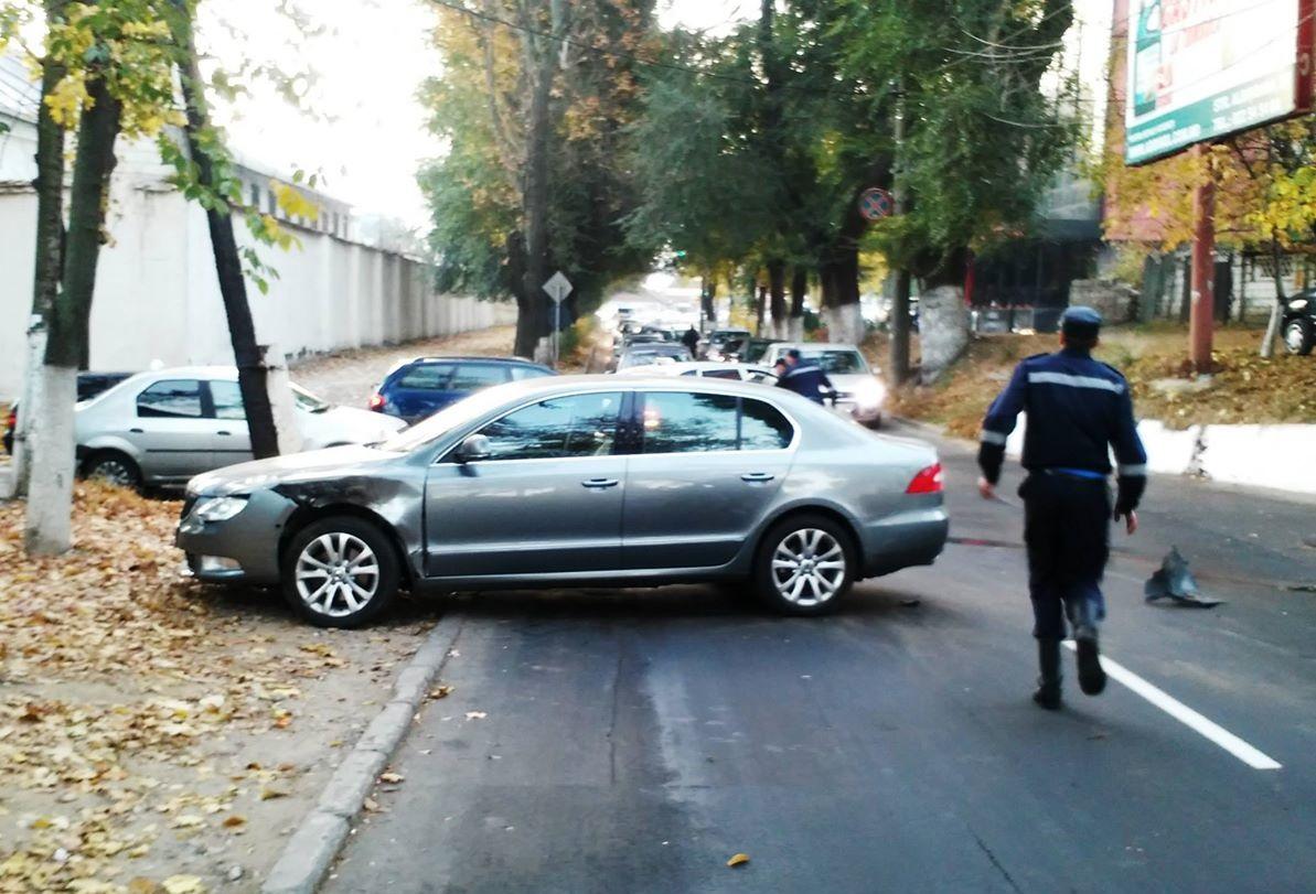 На столичной улице Матеевича столкнулись два автомобиля