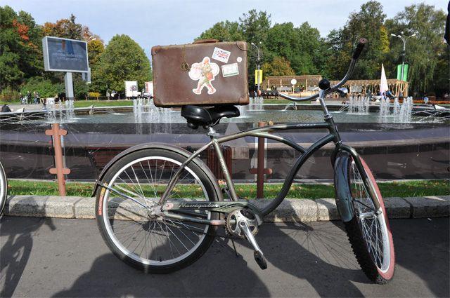 Ученые: пешеходы и велосипедисты счастливее владельцев машин