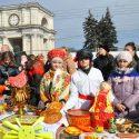В центре Кишинева празднуют Масленицу (фото)