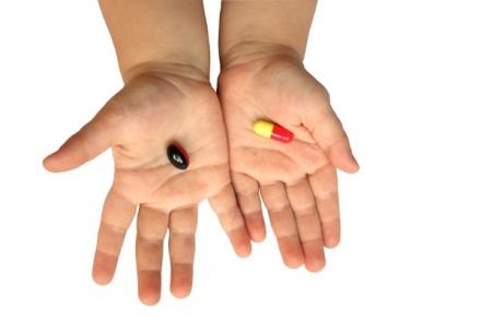 Двухлетняя девочка чуть не умерла от витаминов