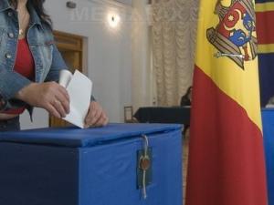 ЦИК: К 12.30 проголосовали 20,3 % избирателей