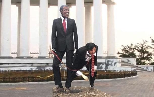 В центре Одессы установили статую-карикатуру на Саакашвили