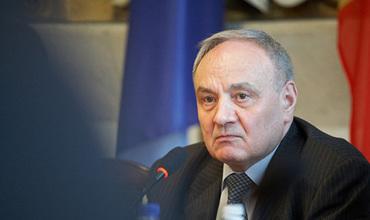 Осталось собрать 10 подписей до рассмотрения парламентом импичмента Тимофти