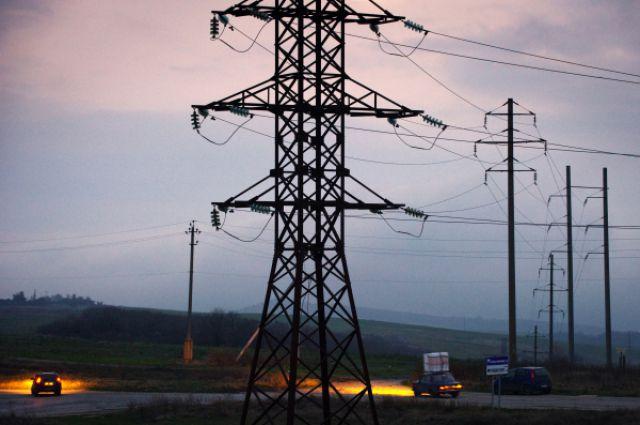 Из-за стихии на юге и в центре страны без света остались более 50 тысяч потребителей