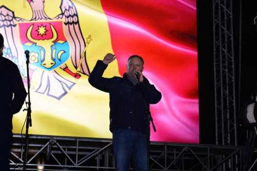Игорь Додон призывает присоединиться к протестам