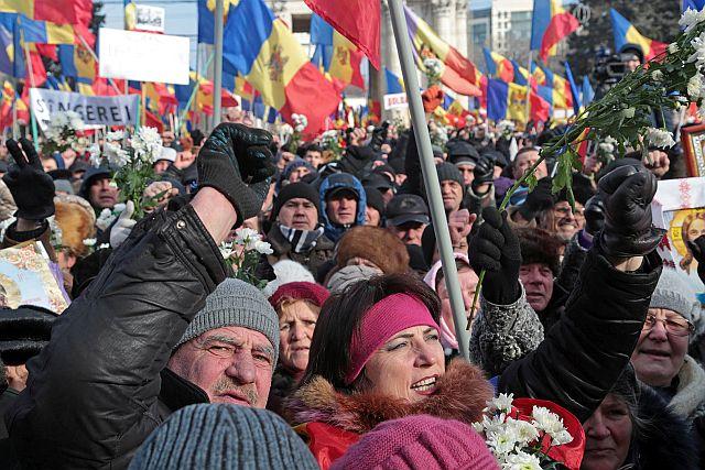 Опрос, проведенный Ассоциацией социологов и демографов, подтвердил лидерство социалистов