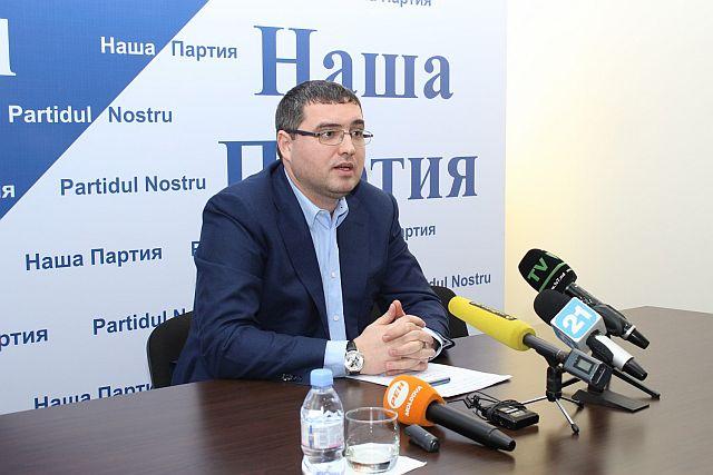 Ренато Усатый призвал своих сторонников голосовать за Игоря Додона
