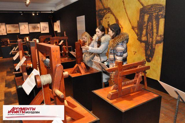 Более 200 экспонатов представлены на выставке «Изобретения да Винчи»