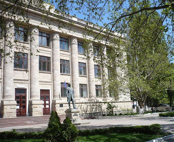 Посвященная старому Кишиневу выставка живописи открылась в Национальной библиотеке