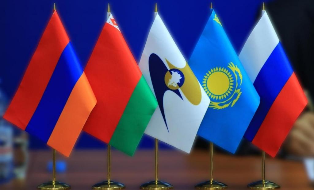 Путин предложил дать Молдове статус наблюдателя при ЕАЭС