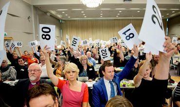 Конференция епископов Норвегии одобрила бракосочетание геев в церкви
