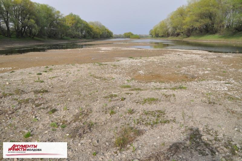 Украина пообещала в ближайшие дни увеличить водосброс на Днестре