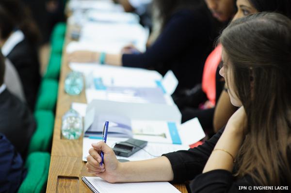 Число студентов в молдавских вузах резко сократилось