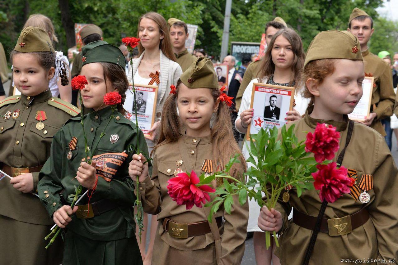 Кишиневцы отметили 9 Мая грандиозным маршем