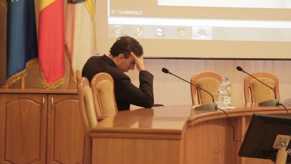 Тридцать два советника МСК поддержали проведение референдума за отставку Киртоакэ