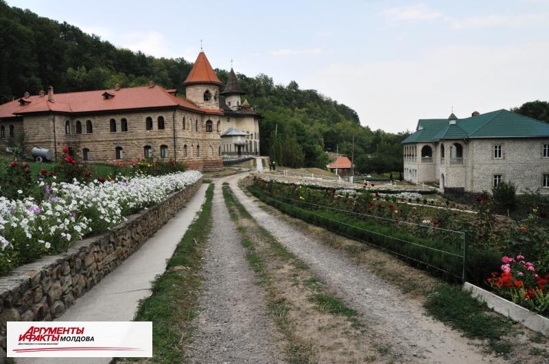 Монастырь Рудь