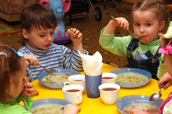 Проверки выявили множество нарушений в системе питания детей по всей Молдове