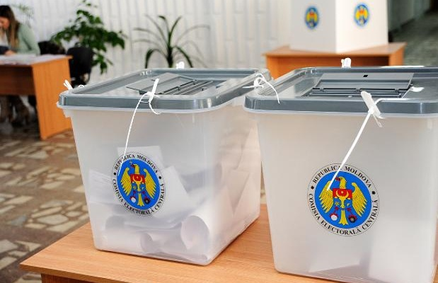 Второй тур выборов: какова явка в Кишиневе и по всей стране к этому часу