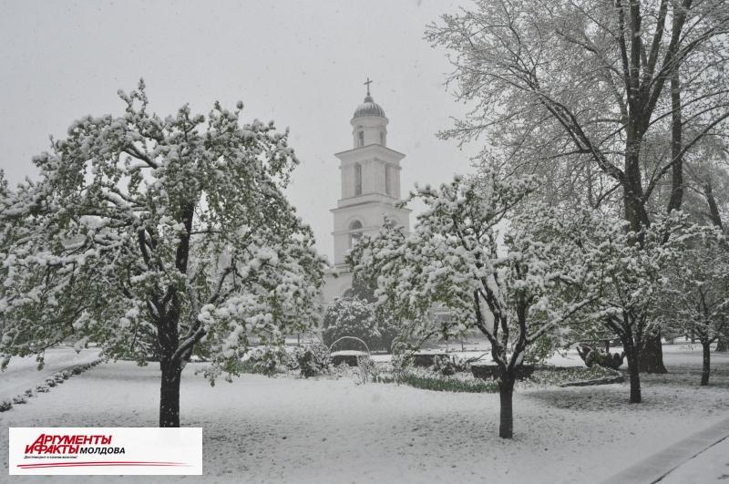 Толщина снежного покрова в Кишинёве достигла полуметра