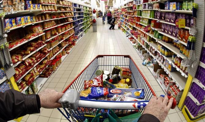 Цены растут, как на дрожжах: какие продукты стали значительно дороже, а какие подешевели (ГРАФИК)