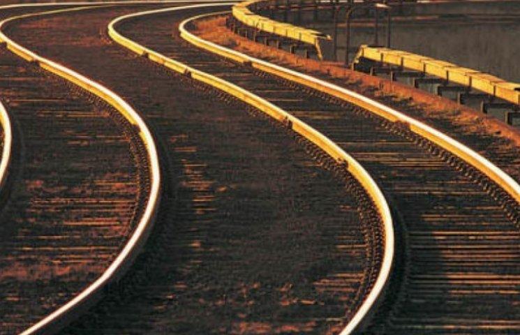 Четыре километра электрокабеля похитили с железной дороги неизвестные в Копчаке
