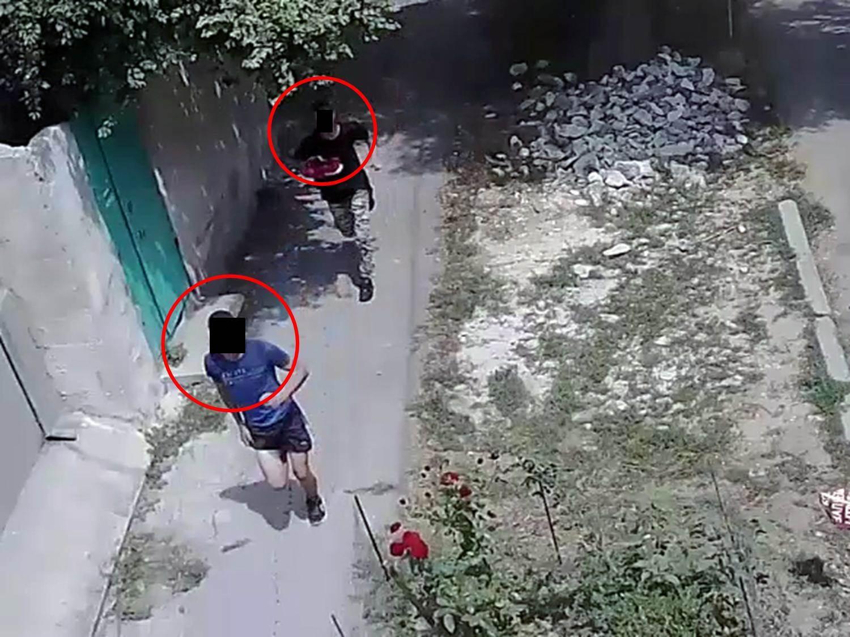 Задержаны молодые люди, срывавшие золотые цепочки с жительниц Кишинева (ВИДЕО)