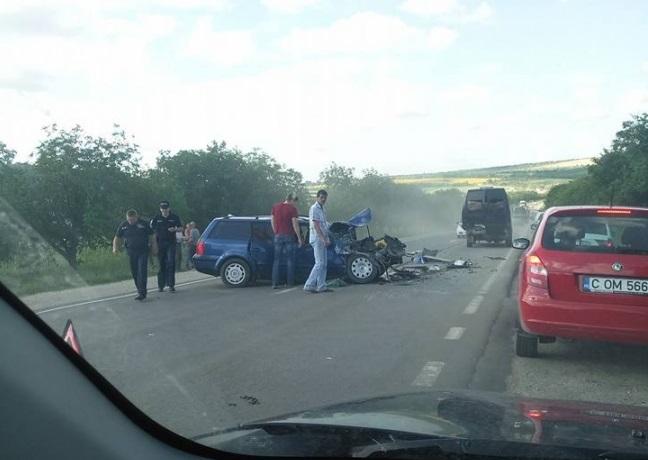 В жуткой аварии у Гратиешт серьезно пострадал человек (ФОТО, ВИДЕО)