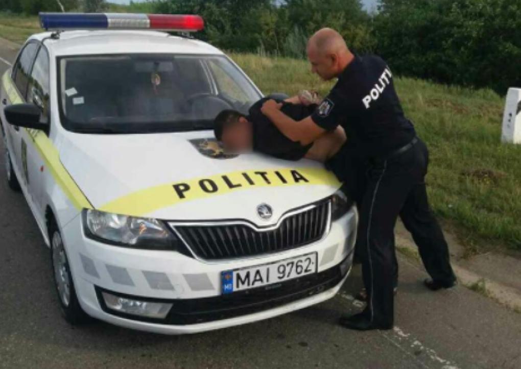 Дерзкое нападение и угон авто совершили двое мужчин в Рышканском районе (ФОТО)