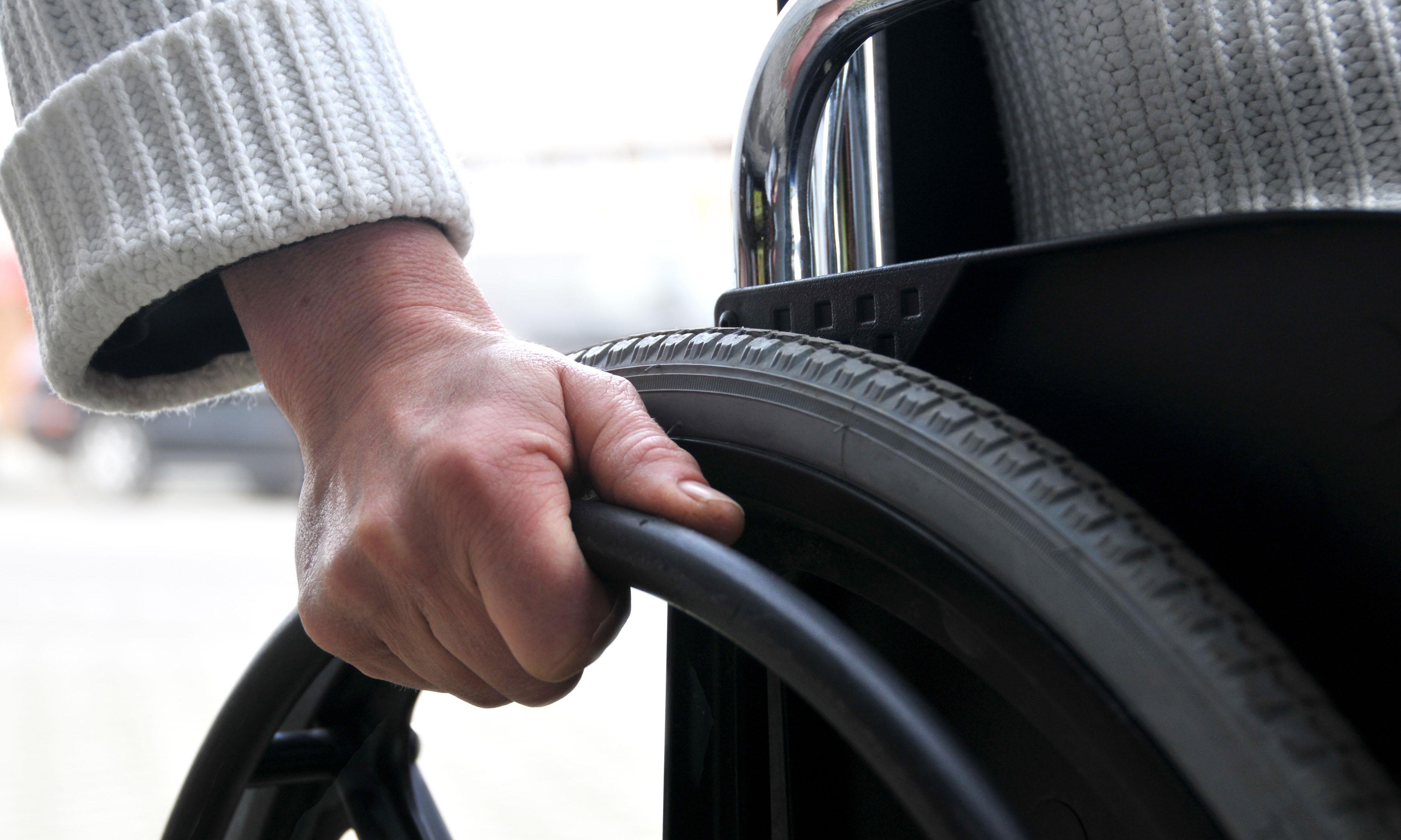 В Кишиневе мужчина-инвалид поджег себя