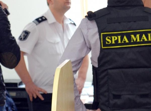 В Службу гражданской защиты нагрянули с обысками