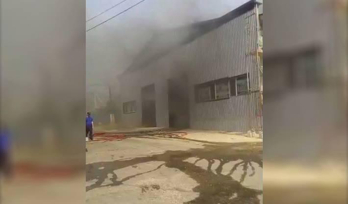 В здании на Чеканах произошел пожар (ВИДЕО)