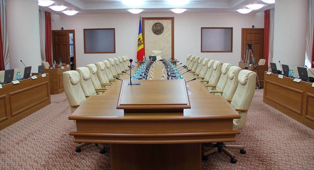 Новая структура правительства Молдовы передана в парламент