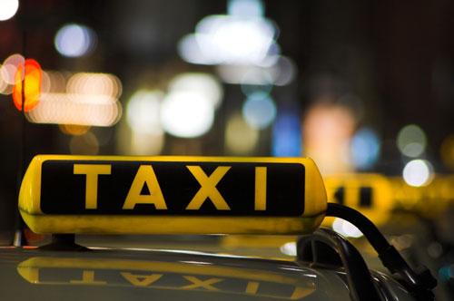 Кишинёвцы недовольны счётчиками в такси: цены на поездки значительно выросли (ВИДЕО)