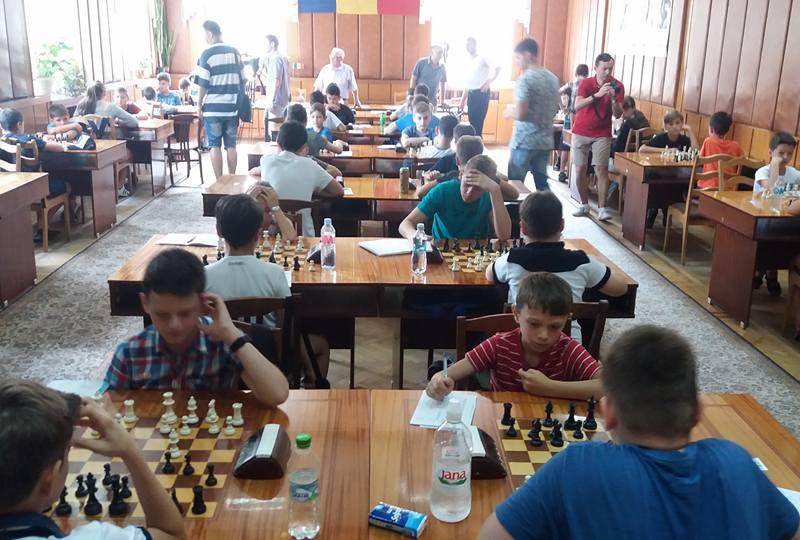 68 юных шахматистов Молдовы сразятся за победу в турнире «Кубок будущих Гроссмейстеров»