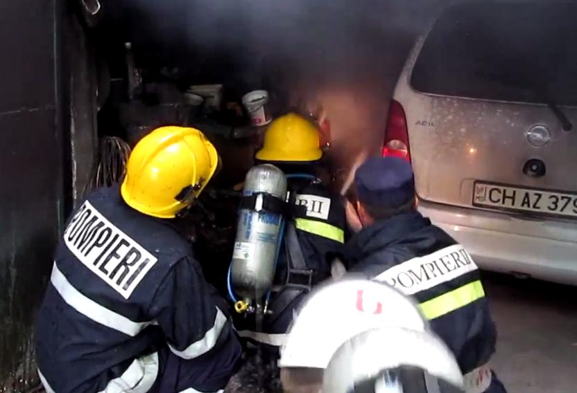 Семья в Кагуле едва не осталась без дома из-за пожара