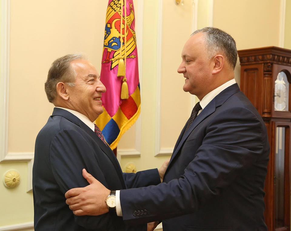 Инвестиционный потенциал экономики Молдовы обсудил Игорь Додон с послом Турции