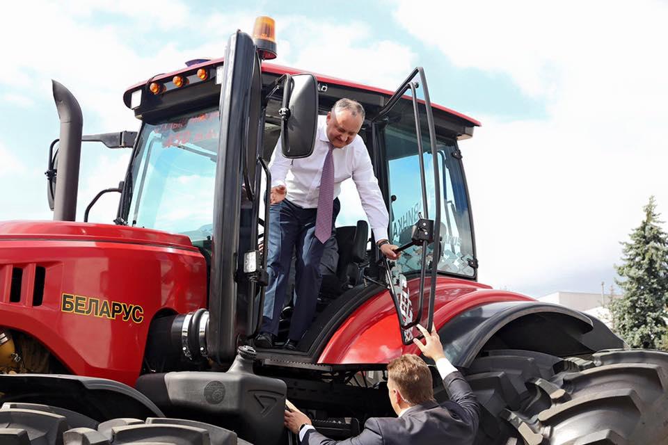 Восстановить тракторное производство в Молдове намерен президент