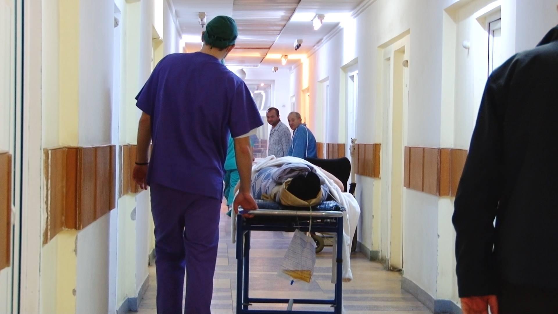 Парень из Теленешт, в которого стреляли, скончался в больнице