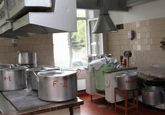 Проверки подтвердили вопиющую скудность питания в детсадах Кишинева (ФОТО)