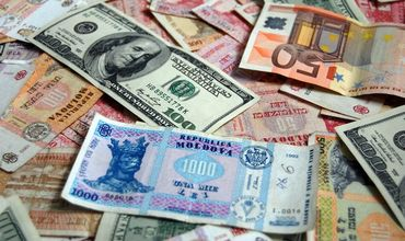 Курс валют на 4 дня: доллар вплотную приблизится к 17 леям, евро существенно подорожает