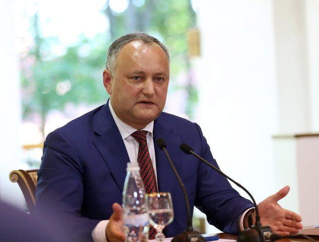 """Молдавский телеканал показал """"Один день с президентом"""" (ВИДЕО)"""