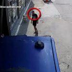 Полиция разыскивает мужчину, подозреваемого в краже телефона из грузовика (ВИДЕО)