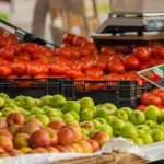 Статистика: к весне в Молдове подорожали свежие фрукты и овощи, а подешевели яйца