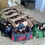 300 бутылок контрафактного коньяка обнаружили в автомобиле во Флорештах