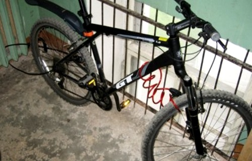 Житель Дубоссар украл у соседки велосипед и спрятал его в своей комнате