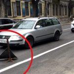 Жителей Кишинева возмутила образовавшаяся дыра в асфальте (ФОТО)