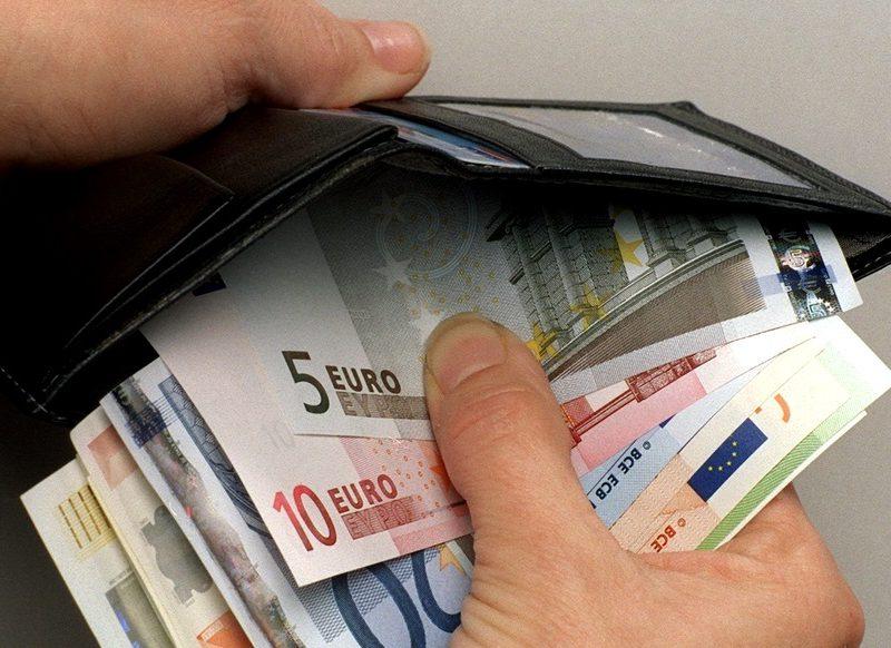 Курс валют на вторник: евро прибавит сразу 13 банов и превысит 20 леев