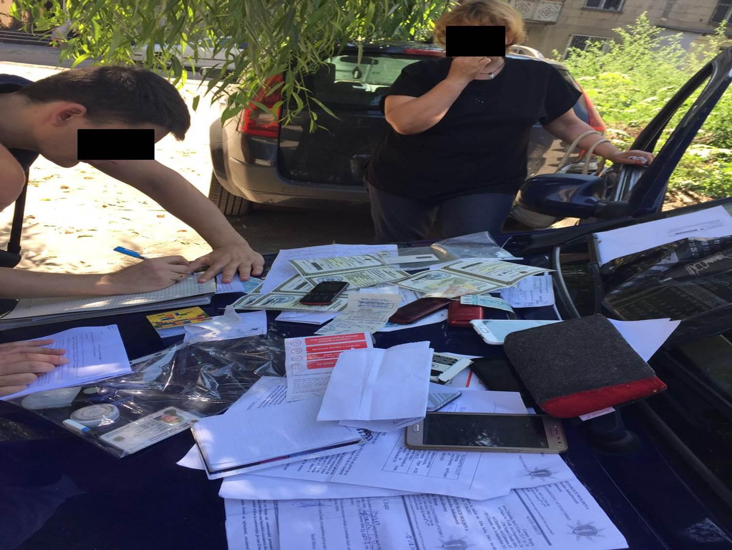 Подделкой кредитных документов занимались предприимчивые молдаване (ВИДЕО)